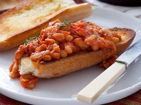 Baked Beans on Toasted French Bread -- For a wholesome and healthful flavor you can't resist, choose B & M Beans - www.bmbeans.com #bmbeans #bakedbeans #recipe #beans #healthy