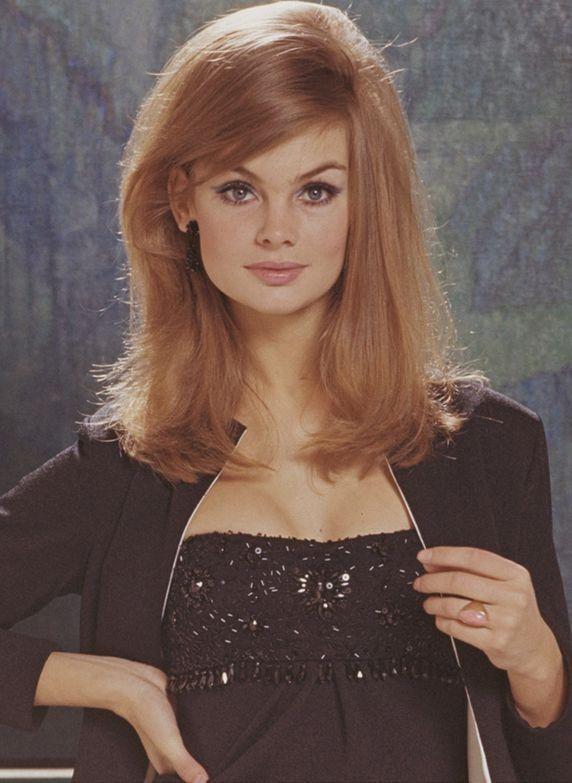 Jean Shrimpton, 1965. Hair.