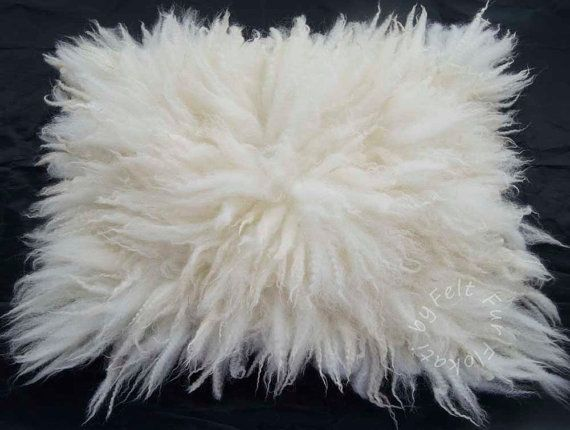 Flokati Medium Rug Fur Felt Fluffy Wool Layer Hand by FeltFur #rug #felt #feltfur #fur #felting #photoprops