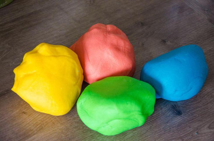 Knete selbst gemacht - probiert und als perfekt empfunden