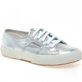 Funky footwear  #winsupergawithritaora