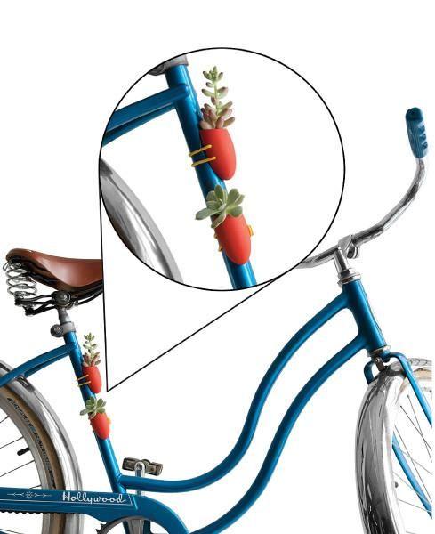 75 Best Ladies On Bikes Images On Pinterest Bicycle Basket