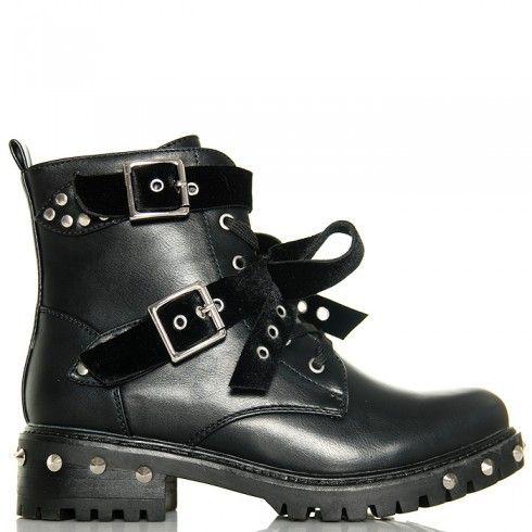 http://buu.pl/pl/botki/6176-botki-czarne-rockowe-workery-srebrne-kolce.html