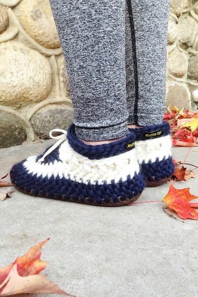 MuffleUp Slippers: Nautical Women Back View