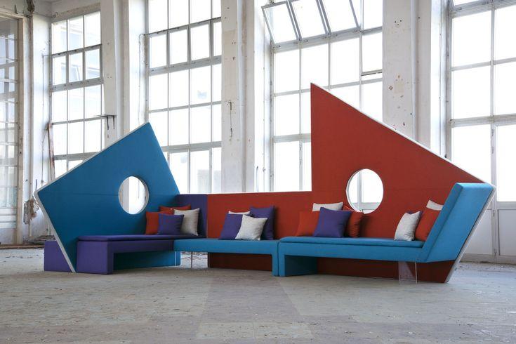 """designRoberto Romanello News Salone del Mobile 2016 Micromegaè un sistema imbottito modulare di sedute per il contract e il settore office, ma con moduli di piccole dimensioni utilizzabili anche in spazi domestici contemporanei come loft o appartamenti open space. È una """"micro""""-architettura destinata a """"mega"""" spazi pubblici, come ad esempio le hall degli alberghi, e …"""