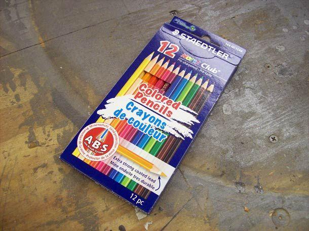 Fabriquer une magnifique bague à partir de simples crayons de couleur ?Peter Brown, un ingénieur informatique américain passionné par le travail du bois,