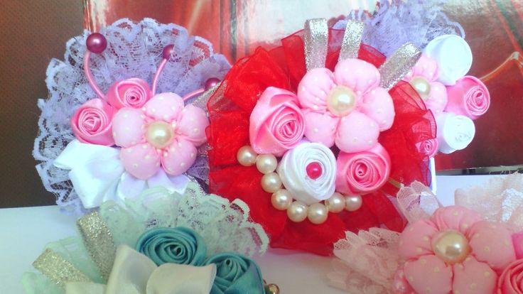 Ribbon flowers brooch