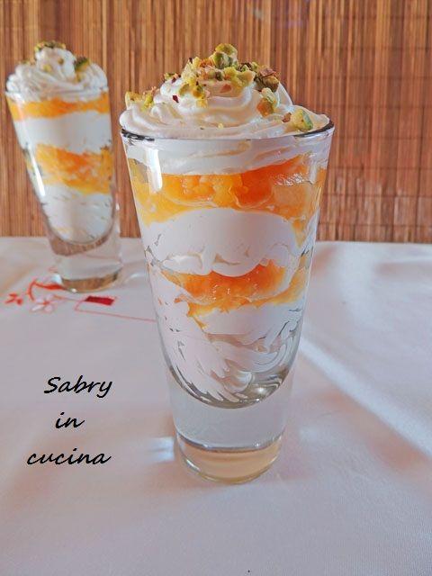 Mousse allo yogurt con pesca e melone, dolce senza cottura e senza colla di pesce Ricetta Sabry in cucina