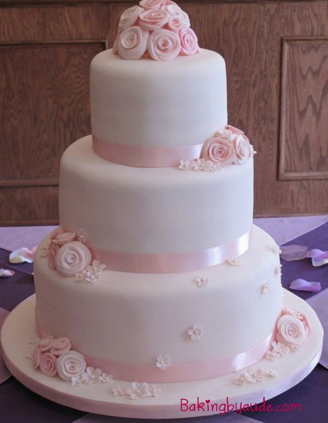 Gateau Wedding Cake Pale A Sucre