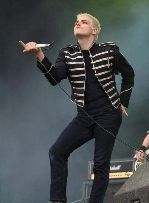 Gerard Way<< the sass is overwhelming in this picture
