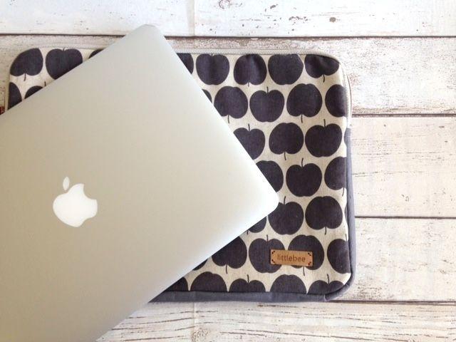 Liebedinge Tablet Case Ich habe den Schnitt von Liebedinge heraus gekramt, und ihn auf die Größe meines Laptops angepasst
