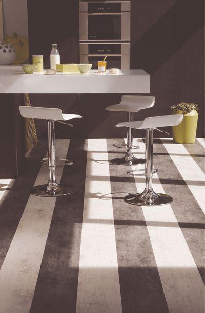Te presentamos las nuevas tendencias de la estética y confort en suelos laminados Tarkett Floor in a Box. Contacta con nosotros al 951 081 159, vía email info@bricotiendas.com o visita nuestra tienda especializada en papeles pintados http://www.bricotiendas.com/119-suelos-vinilicos.