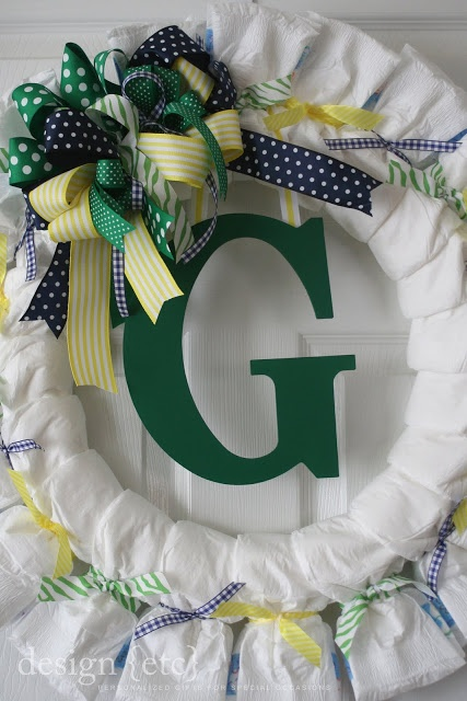 Diaper Wreath - Great idea for a baby shower and very easy to make.