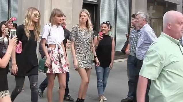 Cara Delevingne, Kendall Jenner and Gigi Hadid make Taylor Swift's squad at BST festival | Daily Mail Online