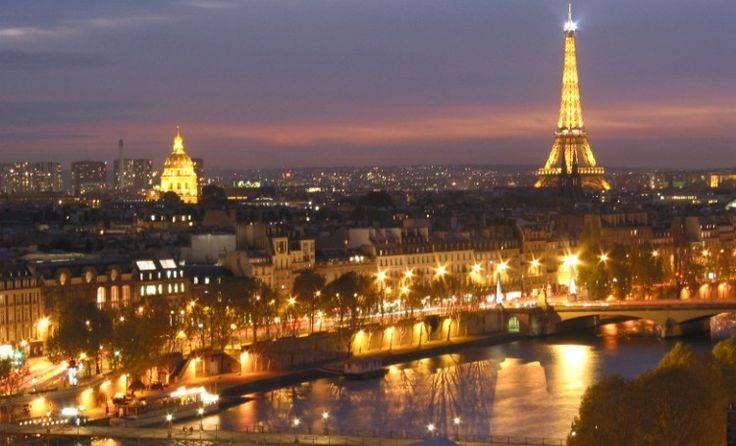 #Paris bei #Nacht - #Eiffelturm #Seine #Städtereise