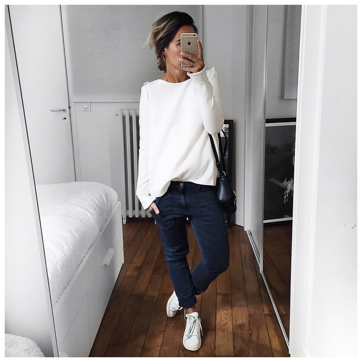 "8,759 mentions J'aime, 105 commentaires - Audrey Lombard (@audrey.lombard) sur Instagram : ""Comme un jeudi! • Top #bash (2014) • Pant #bash (on @bashparis) • Sneakers #stansmith (on…"""