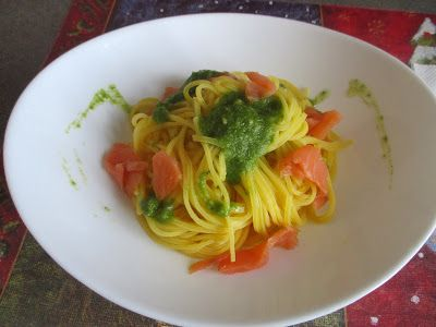 FORNELLI IN FIAMME: TAGLIOLINI WITH HOMEMADE PESTO AND NORVEGIAN SMOKED SALMON - Tagliolini con pesto fatto in casa e salmone affumicato norvegese