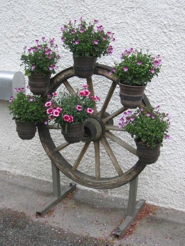 alte gartengeräte deko   Liebhaber alter Gartendeko? - Seite 7 - Gartenpraxis - Mein schöner ...
