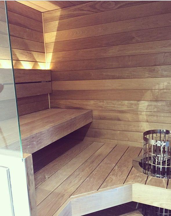 Sauna, lauteet lämpökäsiteltyä haapaa ja Harvian kiuas