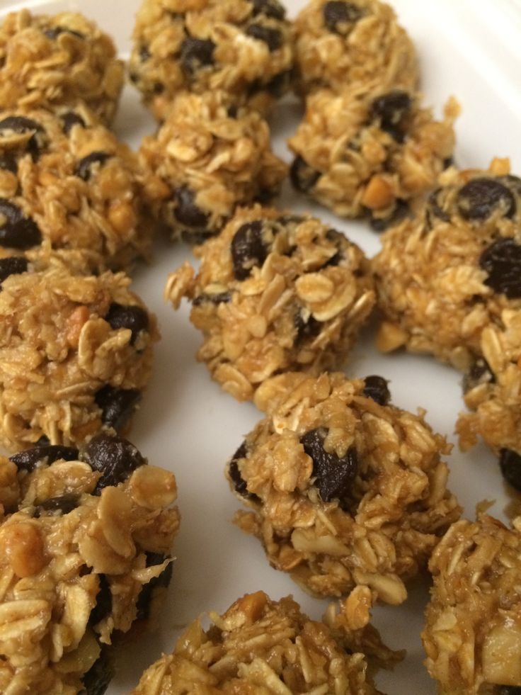 Peanut butter oatmeal balls...21 day fix approved