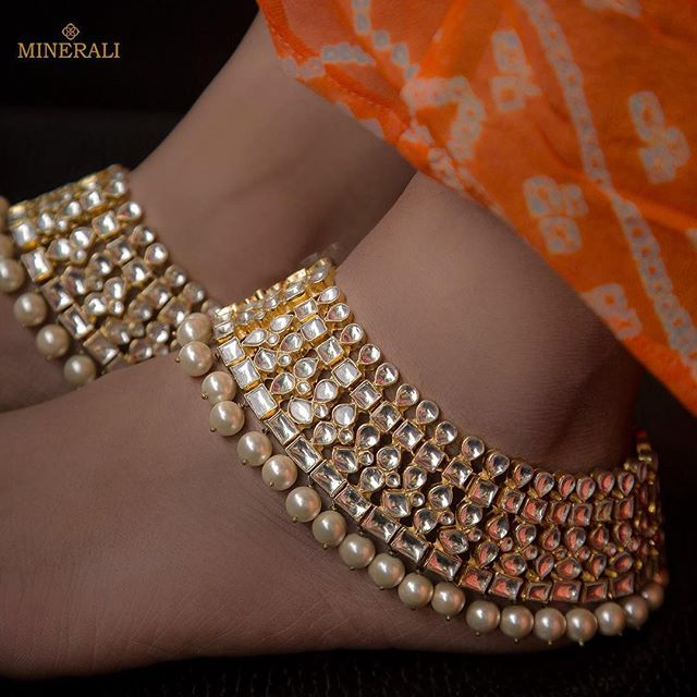 Step in the world of Jewels by Ra Abta available at Minerali. #minerali_store #raabta #raabtabyrahul #raabtaforminerali #weddingcollection #payal #royaljewellery #traditionaljewellery #bride #bridaljewellery #kundan #gold #jewellery #weddingcollection #fashion #indianjewellery #kundans #linkingroad #bandra #minerali