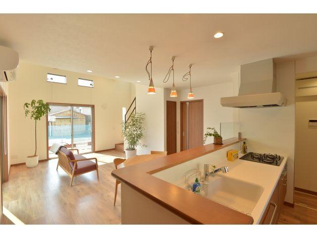 Onocom Design Center 対面式のキッチンは、常に家族との団らんが。