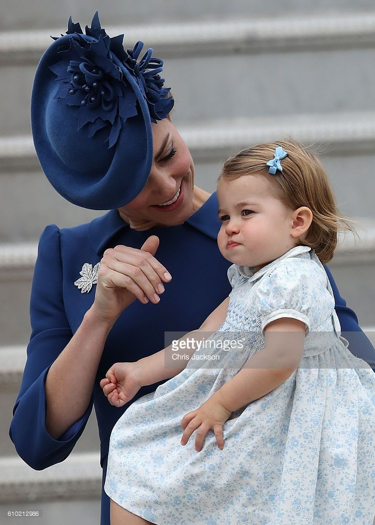 Catherine, Duchess of Cambridge and Princess Charlotte of Cambridge arrive at the Victoria Airport on September 24, 2016 in Victoria, Canada. Prince William, Duke of Cambridge, Catherine, Duchess of Cambridge, Prince George and Princess Charlotte are visiting Canada as part of an eight day visit to the country taking in areas such as Bella Bella, Whitehorse and Kelowna (Photo by Chris Jackson/Getty Images)