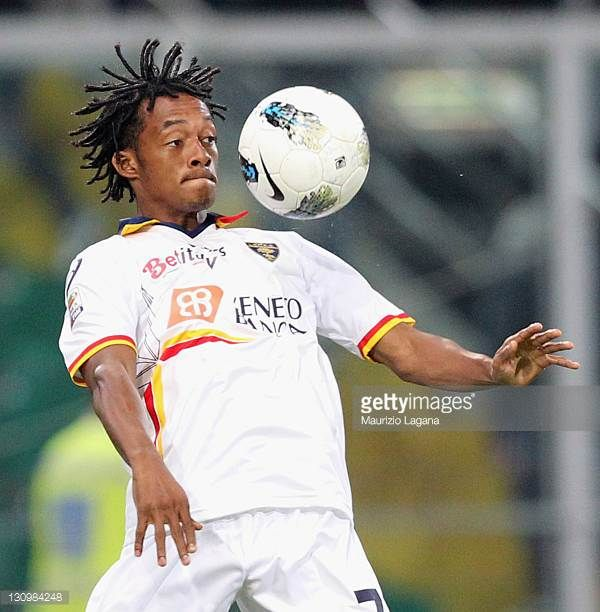Juan Cuadrado of Lecce in action during the Serie A match between US Citta di Palermo and US Lecce at Stadio Renzo Barbera on October 27 2011 in...