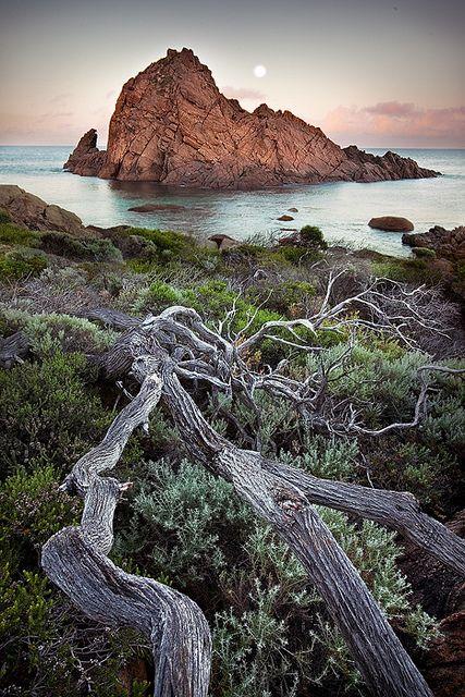Moonset, Sugarloaf Rock, Western Australia