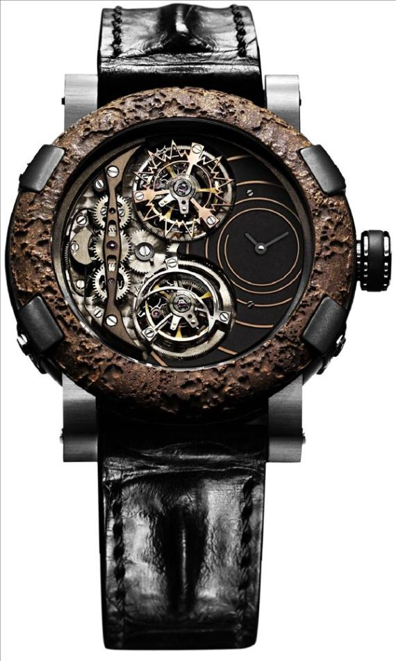Romain Jerome Titanic Day & Night Watch2-   The movement is the RJ ONE made by BNB Concepts for Romain Jerome. The watch will be limited to only 9 pieces.