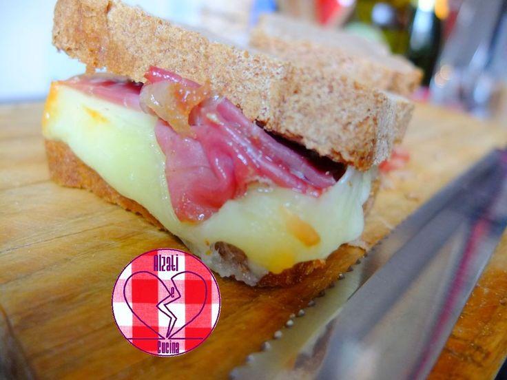 Toast di pane bruno con prosciutto e Montasio (la storia di Pino)