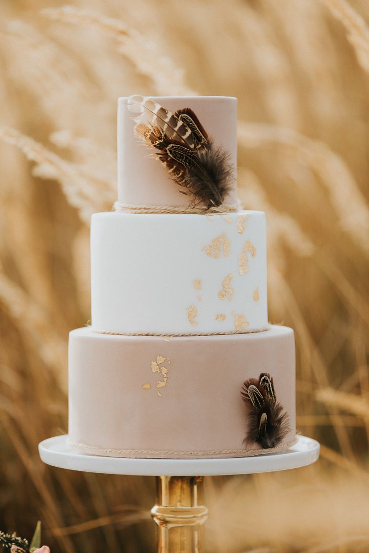 Herbstliche Hochzeitstorten & Sweets weddingcake Fotos: Pic Fabrik Torten: Juliliebe Blumen: Zaubernuss