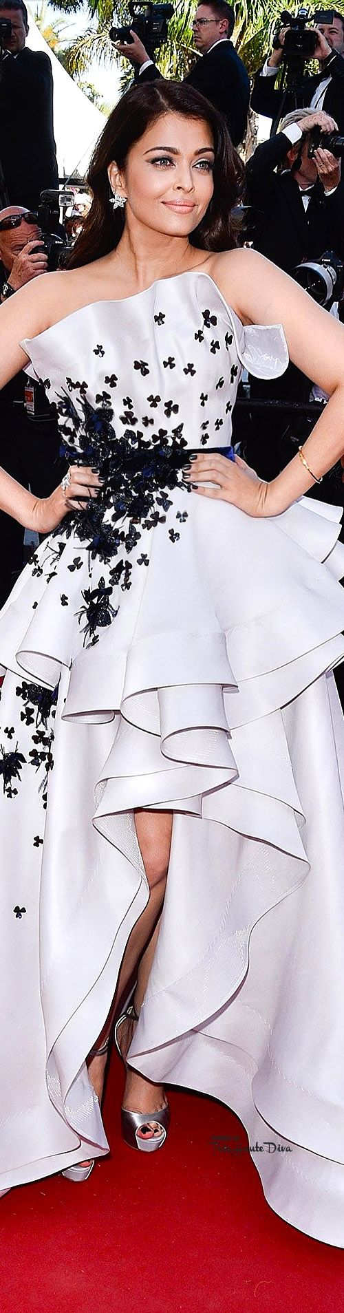 Aishwarya Rai in Ralph & Russo Couture at Cannes Film Festival 2015 Red Carpet