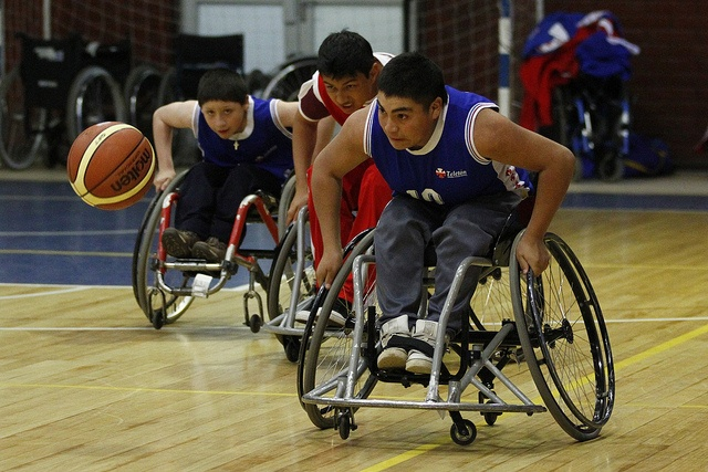En las Terceras Paralimpiadas Teletón 2012, delegaciones de los 11 centros Teletón a lo largo del país compitieron en 5 disciplinas, que serán la base de los Juegos Parasudamericanos de Santiago 2014.
