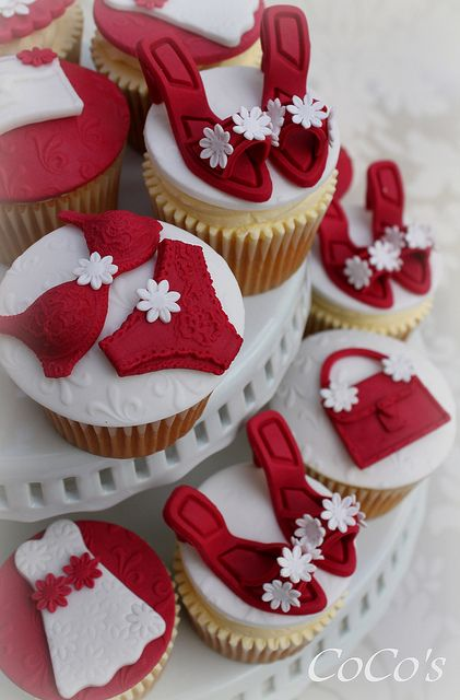 girlie cupcakes by Coco's Cupcakes Camberley, via Flickr