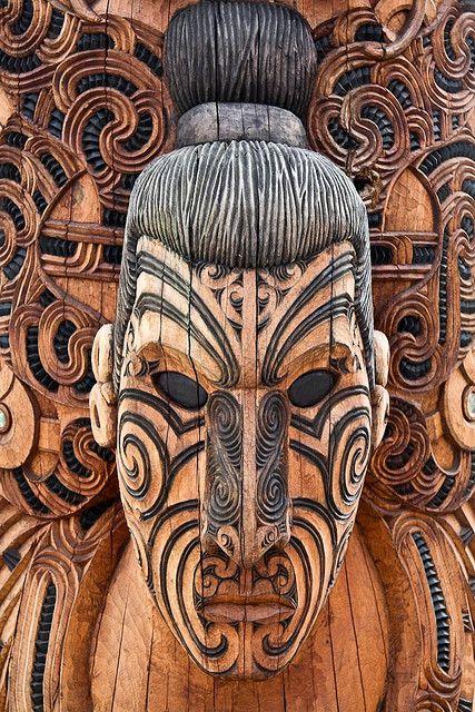 Maori Art, Wood Carving | ©stephanieetstephane, via flickr