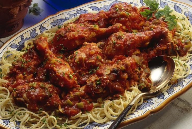 Easy Chicken Cacciatore with Stewed Tomatoes and Red Wine