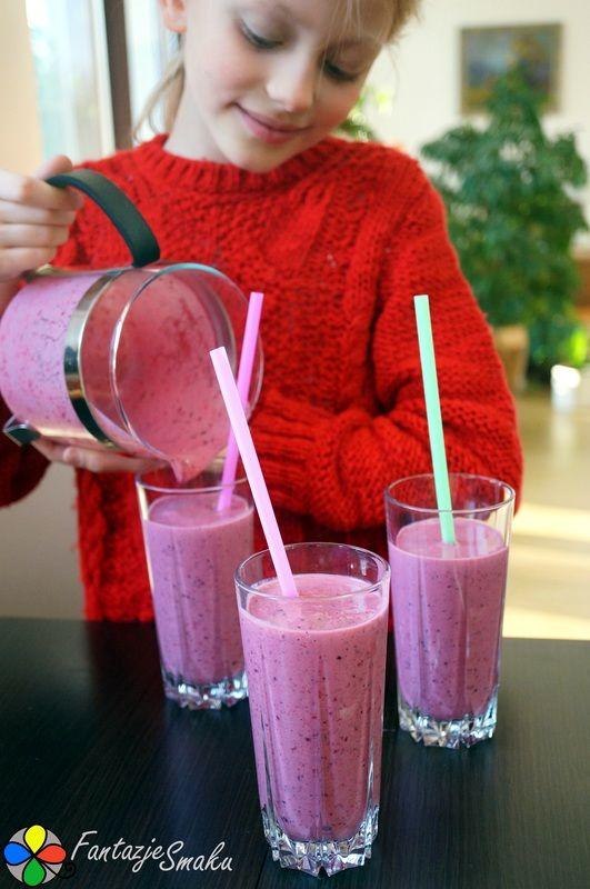 Kefir z mrożonymi owocami leśnymi http://fantazjesmaku.weebly.com/blog-kulinarny/kefir-z-mrozonymi-owocami-lesnymi