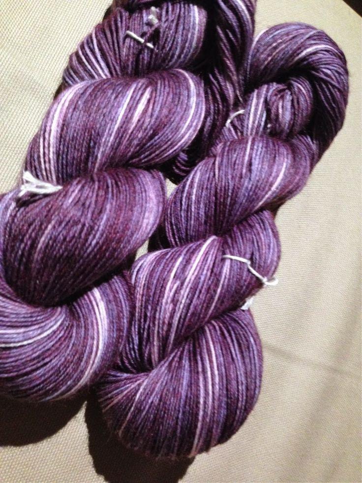 Frog Knitting: Flerfärgsstickning med lyfta maskor, dubbelstickning & garnfärgning / Multi-colour knitting with slipped stitches, double knitting and yarn dyeing