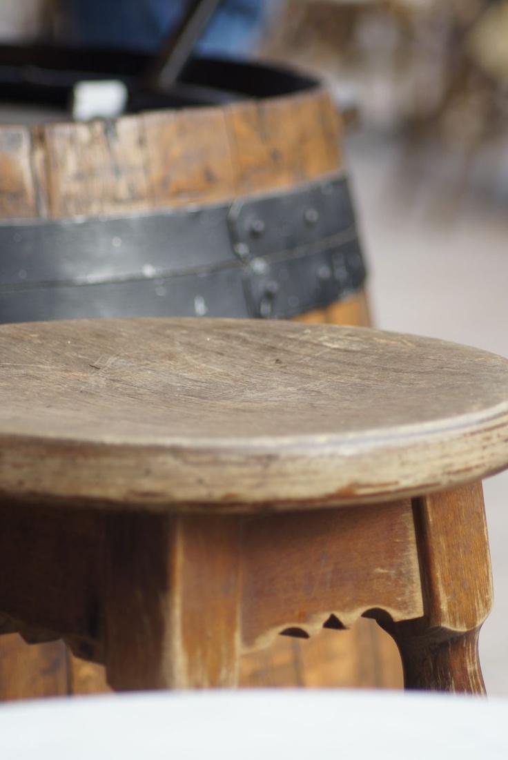 Tonneau et chaise