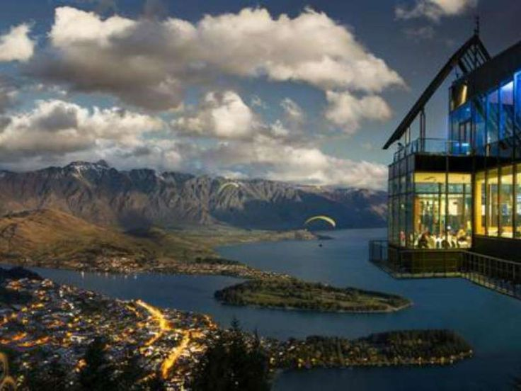 While dining on iconic New Zealand cuisine at Skyline's Stratosfare Restaurant & Bar, you'll be surr... - skyline.co.nz