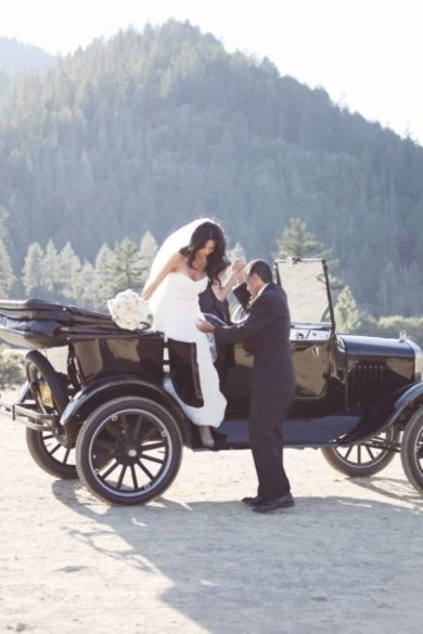 Vintage Black Buggy For Wedding Day Transportation Photo By Davee Blu
