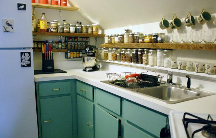 Dol op plankjes en potjes in de keuken!