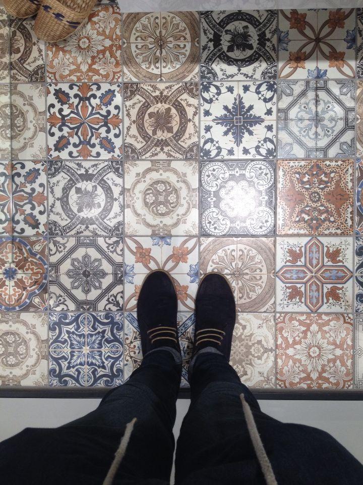 Beste 78 afbeeldingen van mawi tegels gerealiseerde projecten op pinterest huisdecoratie - Grijze verf leisteen ...