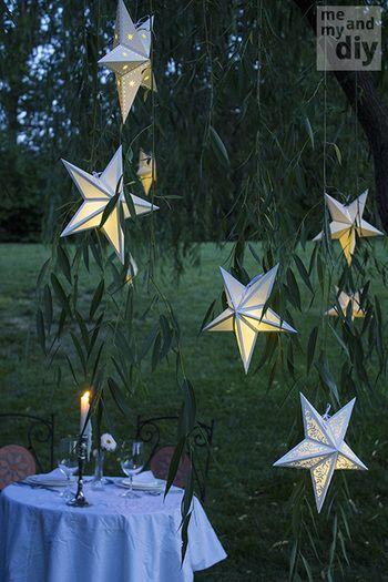 夕方からのガーデンパーティーなどにもオススメの星型ランタンも、型紙があれば簡単に作れますよ。