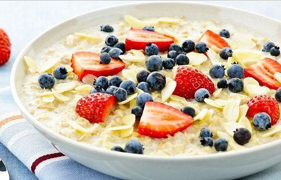 Clean Eating reggeli ötlet - gyümölcsös zabkása