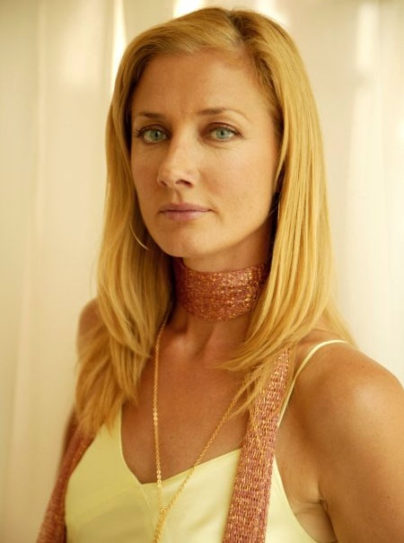 Joely Richardson (England) Younger sister of Natasha Richardson.  In recent years gave knock-out performances in Nip/Tuck & The Tudors. Another solid gold actor from the acclaimed acting tribe.