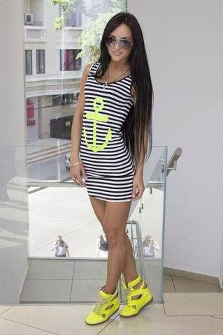 Платье тельняшка сзади якорь фото