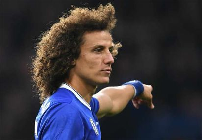 Chelseas Luiz must play despite broken wrist  Conte
