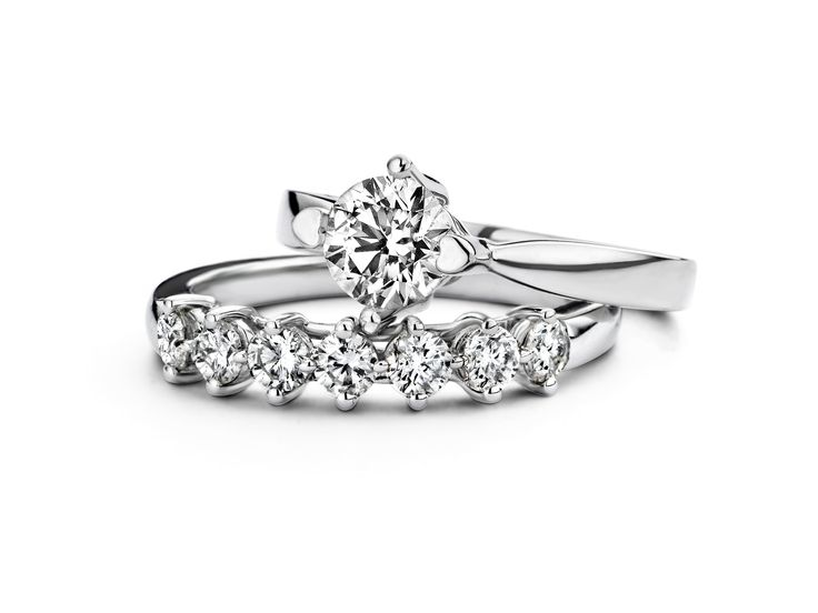 Engagement ring and wedding ring - Hearts & Arrow - Diamond Point